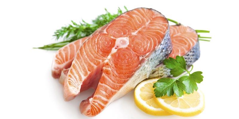 фото аппетитного ломтика лосося