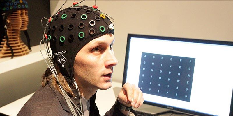 Представлен российский нейроинтерфейс для людей с нарушениями речи