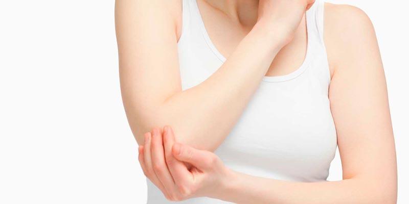 Причины шелушения кожи на локтях